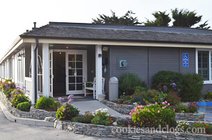 San Pebbles Inn in Cambria, California