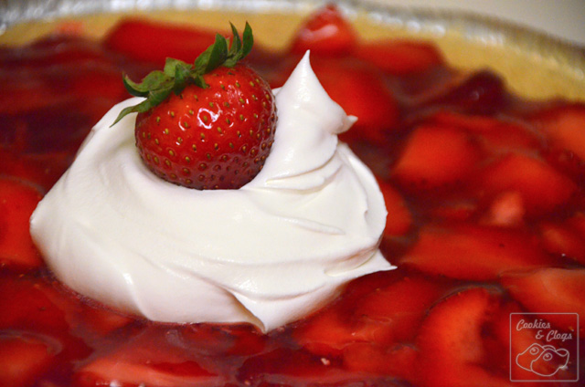 Easy No Bake Strawberry Pie Recipe with Cool Whip