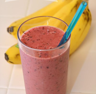 Very Berry Banana Smoothie recipe similar to Jamba Juice Razzmatazz