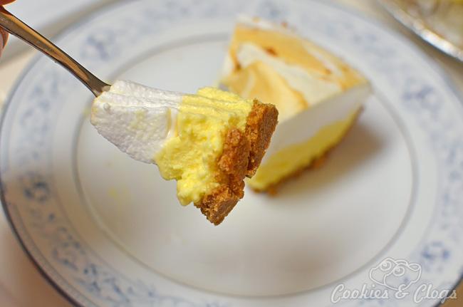 Sara Lee Desserts Review Lemon Meringue Creme Pie