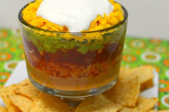 Gluten-free 7 layer dip recipe – vegetarian / meatless #recipes