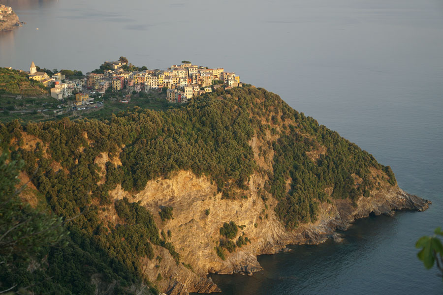 Travel | Travel with Kids | Italy | Travel tips and transportation ideas for visiting Cinque Terre / Cinqueterre in the Tuscany area of Italy. Corniglia