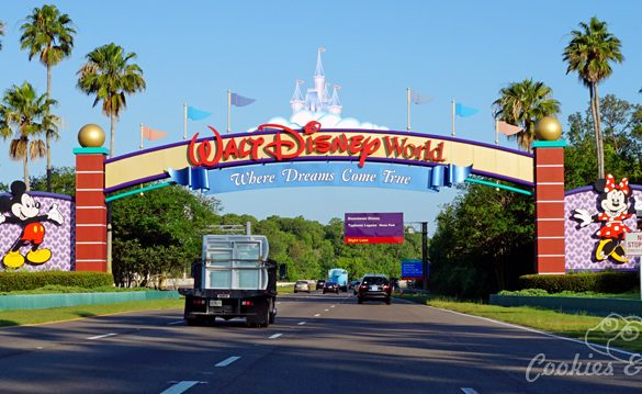 Travel | Hotels | Have you ever wondered if or why you should stay at official Disney Resort Hotels at Walt Disney World Resort in Orlando, Florida? Here are all the reasons you should since the pros FAR outweighs the cons, especially the transportation part. Walt Disney World Sign