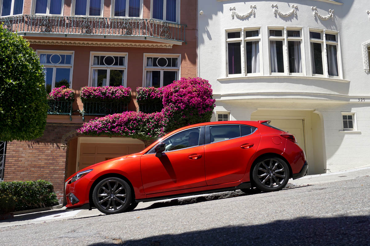 2016 mazda3 a compact hatchback that does it all. Black Bedroom Furniture Sets. Home Design Ideas