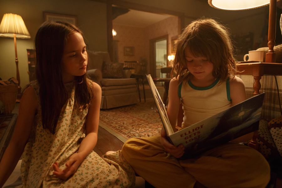 Cookies & Clogs | Movies | Oakes Fegley play Pete and Oona Laurence plays Nicole, who befriends Pete. Check out their this interview with their take on acting in Disney's new Pete's Dragon movie. Playing opposite a CG dragon is no joke but filming in New Zealand had some perks.