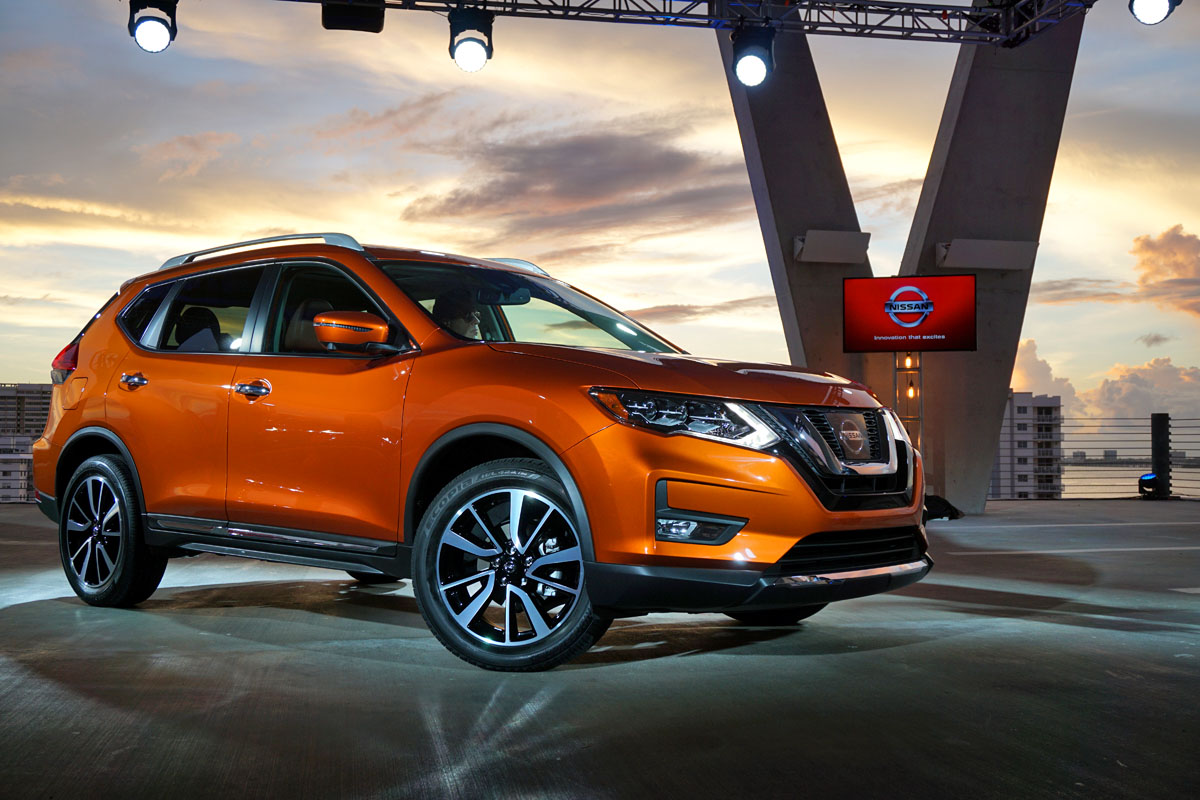 all new 2017 nissan rogue 2017 nissan rogue hybrid revealed. Black Bedroom Furniture Sets. Home Design Ideas