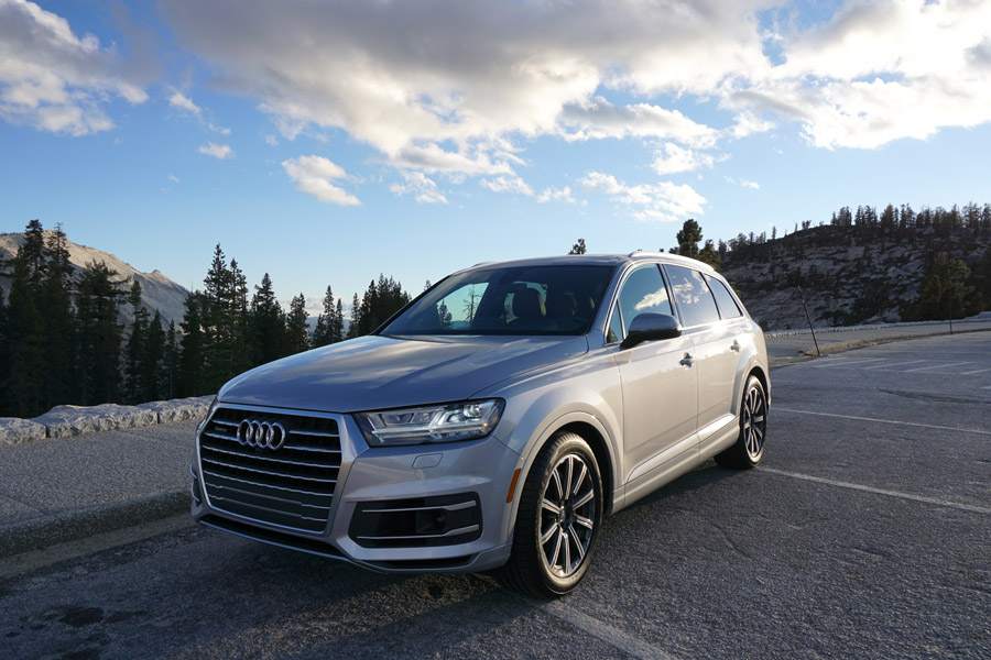 2017 audi q7 refined yet rugged suv ideal for family travel. Black Bedroom Furniture Sets. Home Design Ideas