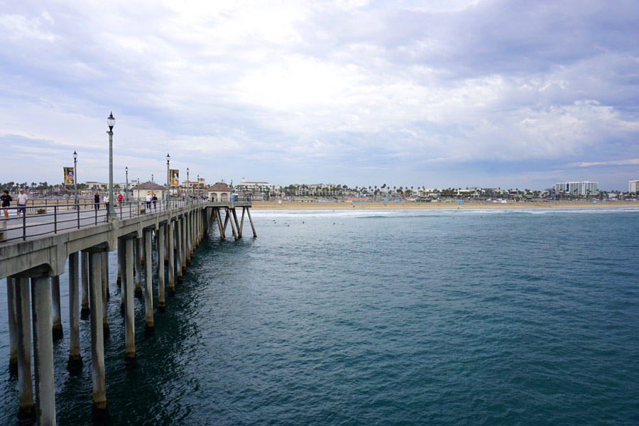 Cookies & Clogs | Travel | The next time you plan on going to Disneyland, you might want to pop by these places as you travel with kids. See where to stay, what to each, and things to do in Orange County, California. Pier of Huntington Beach, CA