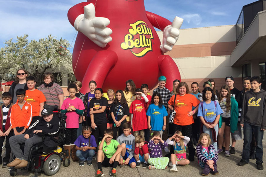 Cookies & Clogs | Learn what virtual school is and why Connections Academy K-12 virtual charter school might be a good choice for your family. Jelly Belly Factory tour.