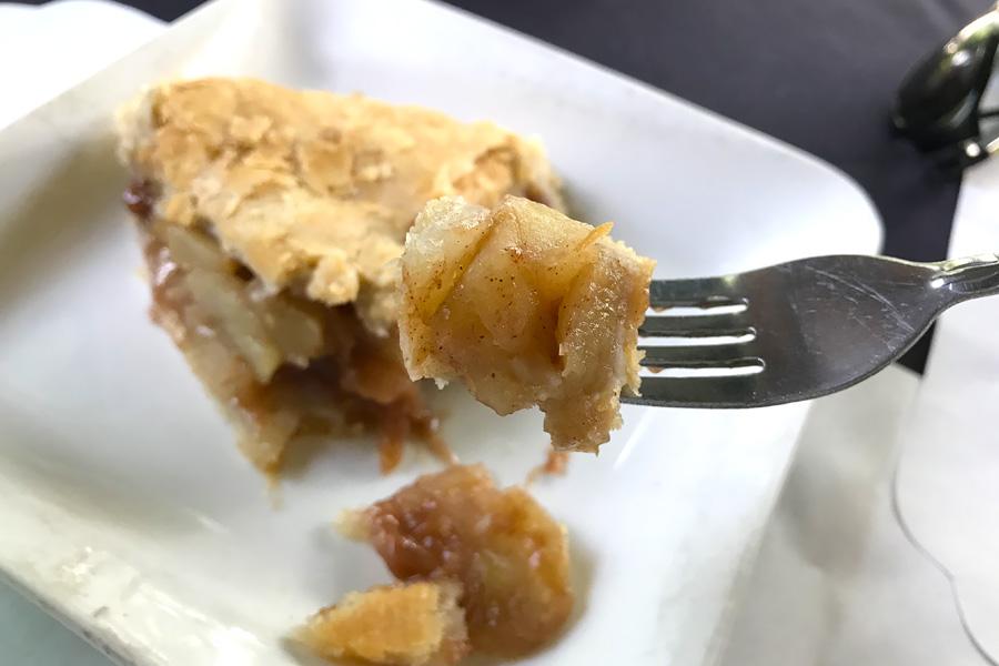 2018Hyundai Sonata Event - tasting famous Julian pie, apple pie