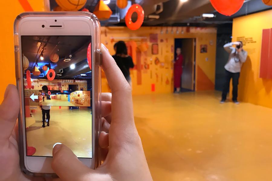 Color Factory in San Francisco, CA. Orange room