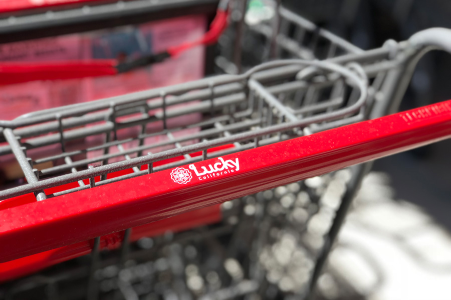 Store tour and features of Lucky California supermarket grocery store in Dublin, CA. Shopping cart handle