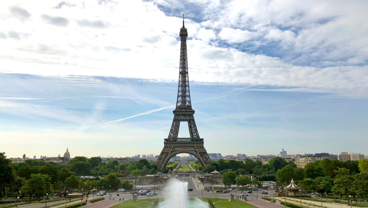 Paris Travel Guide: Top tips for how to visit the top of the Eiffel Tower in Paris France from the Trocodero