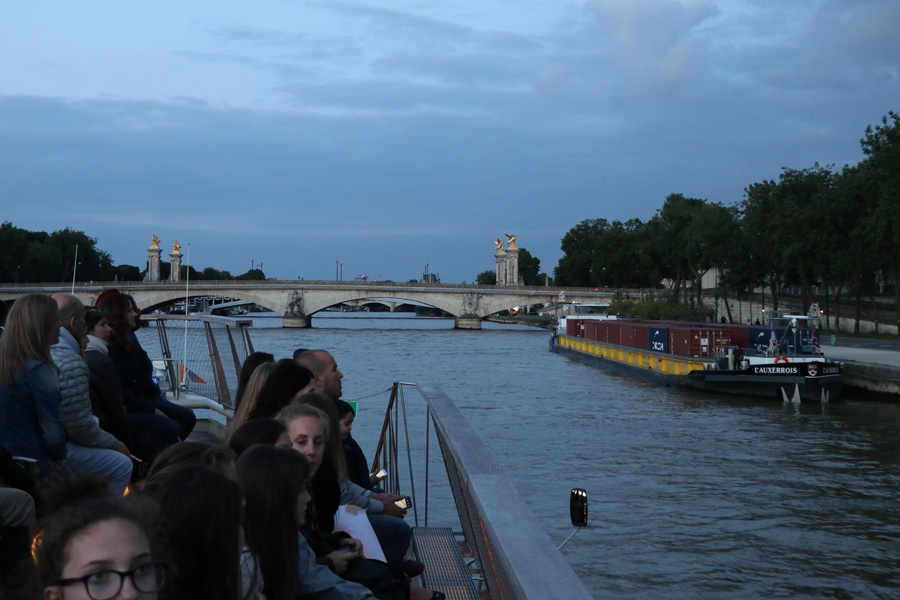 Best Paris boat tour tips for sightseeing cruise on the Seine River in Paris, France.