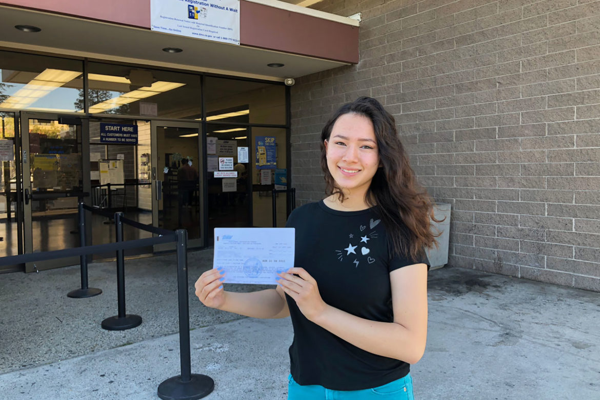 Teenage Drivers — Tips for How to Get a Driver Permit at the DMV